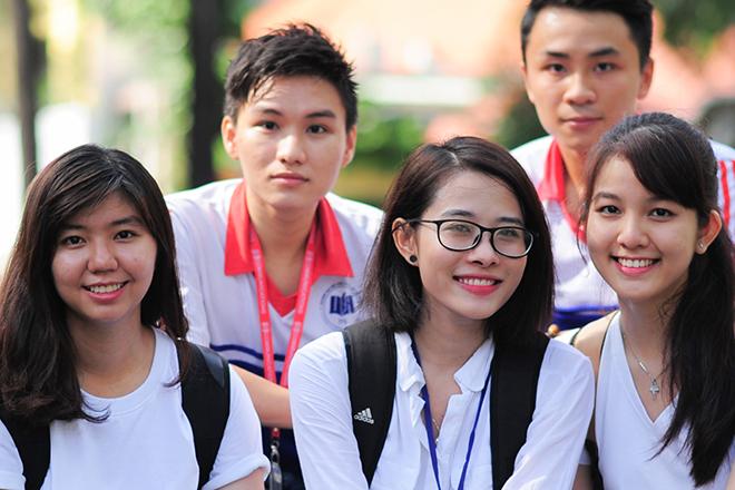 Tìm hiểu điểm chuẩn ngành Hộ sinh hệ Đại học và Cao đẳng