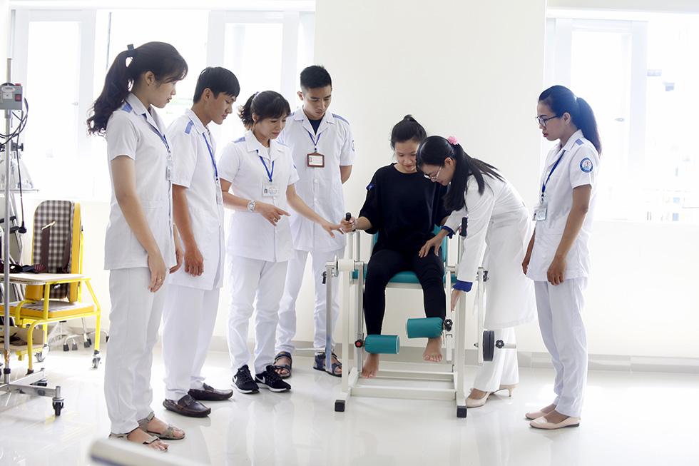 Cao đẳng Kỹ thuật Phục hồi chức năng ra làm gì?