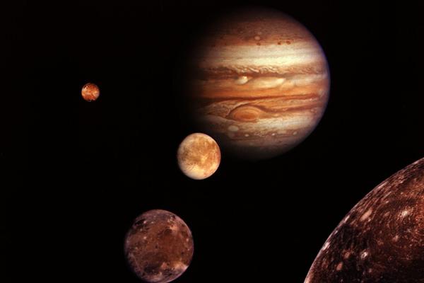 Hành tinh lớn nhất trong hệ mặt trời Sao Mộc là quả cầu khí khổng lồ