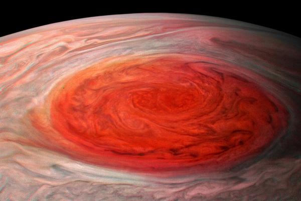 Vệt đỏ lớn tồn tại hơn 300 năm trên Sao Mộc