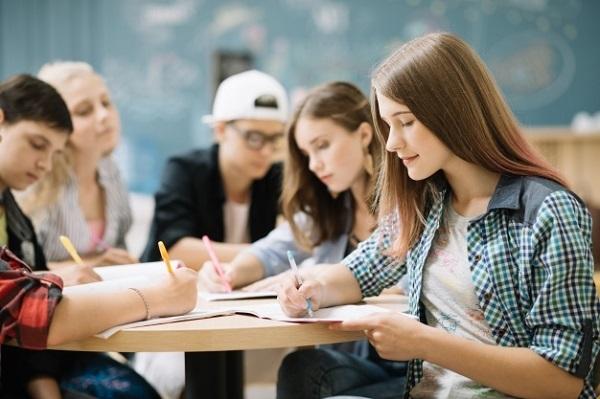 Khối D78 gồm những môn gì? Các trường Đại học có khối D78